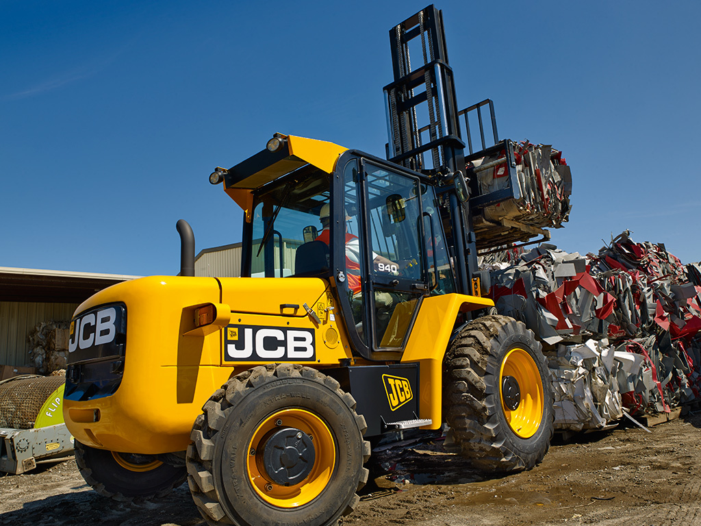 JCB 940 Mini Excavators Dubai